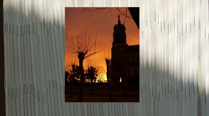 Lever de soleil sur l'église de Maylis