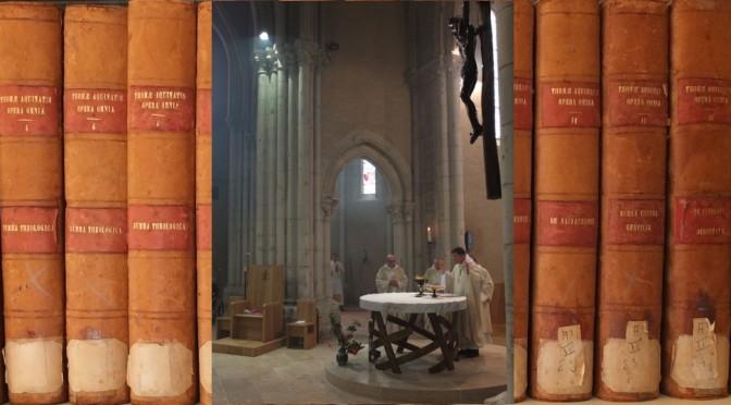 CVF-Christ_autel_pretre_offrande